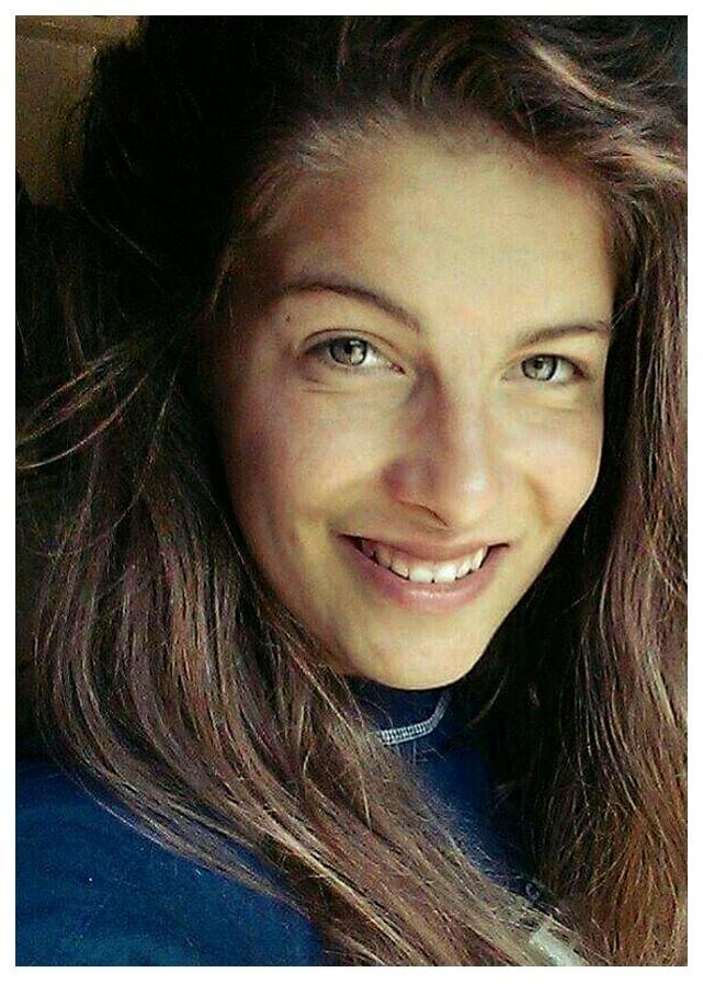 Portrait von Elisa-Sophia Krüger (Ernährungs- und Gesundheitsberaterin der klassischen chinesischen Medizin, TCM, Bewegungstherapeutin, Tanz- und QiGong-Lehrerin, Waren, Neustrelitz, Neubrandenburg, Feldberg, Woldegk, Mecklenburgische Seenplatte)